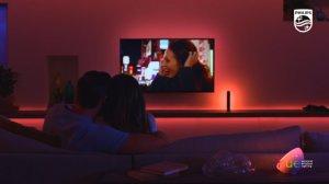 Philips Hue Play HDMI : un boitier pour synchroniser vos lumières et votre TV