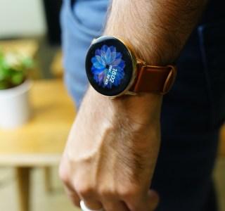 Samsung : la Galaxy Watch 3 et les écouteurs-haricots mentionnés dans une application