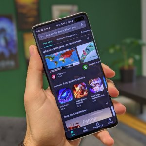 Android 12 va s'ouvrir aux alternatives du Play Store, comme le Huawei AppGallery et le Samsung Galaxy Store
