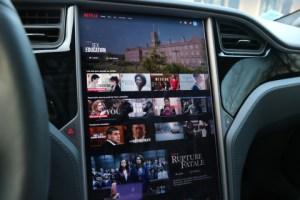 Tesla force à demi-mot ses utilisateurs à faire leurs mises à jour