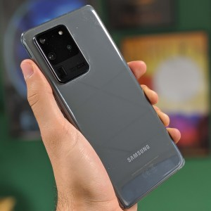 Les Samsung Galaxy S20 européens sont largement moins autonomes, c'est prouvé