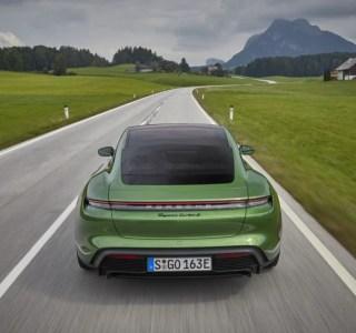 Pourquoi la vitesse maximale des voitures électriques est bridée ?
