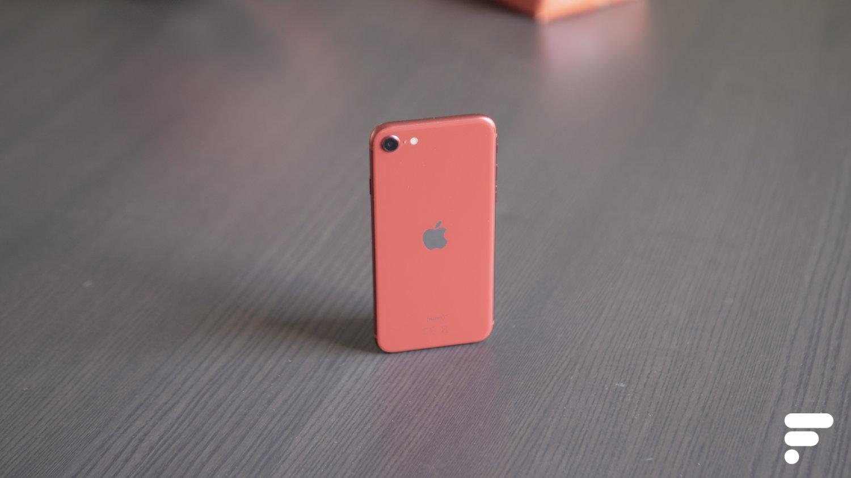 iPhone SE : Apple plancherait sur un modèle avec un poinçon sur un grand écran
