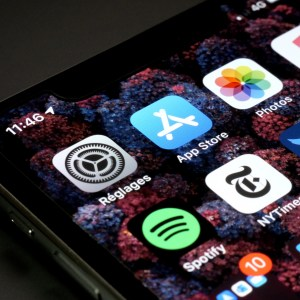 Apple se justifie face aux critiques sur la politique de son App Store