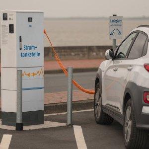 Une borne électrique à chaque station-service : l'Allemagne accélère sa transition