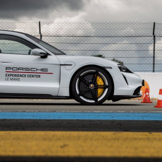 Porsche Taycan test: mature and exciting