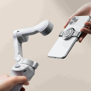 DJI annonce l'Osmo Mobile 4, le stabilisateur au charme magnétique