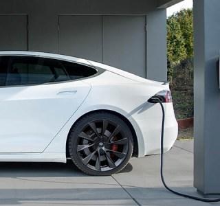Quels sont les principaux coûts d'entretien pour une voiture électrique?