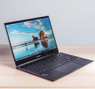 Test de l'Asus ZenBook Flip S (UX371) : le nouveau fleuron OLED transformable