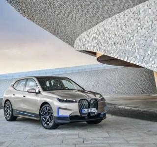 BMW iX électrique officialisée: plus de 600km d'autonomie pour le fleuron technologique de la marque