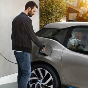 Voiture électrique: installer une borne à domicile vous coûtera bien moins cher dès 2021