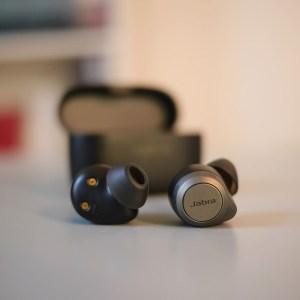 Test des Jabra Elite 85T: des écouteurs à réduction de bruit sans compromis