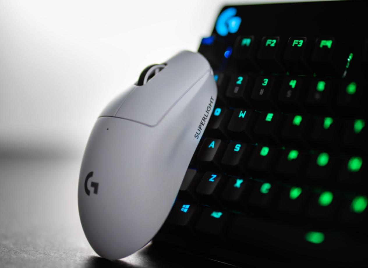 Logitech annonce sa G Pro X Superlight, une souris d'à peine 63 grammes