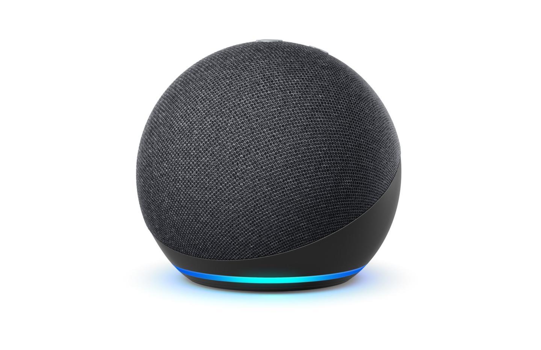 Echo Dot 4 : la mini enceinte connectée d'Amazon est à moitié prix