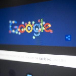 Google teste le thème sombre sur son moteur de recherche sur PC