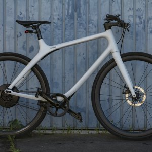 Test du vélo électrique Gogoro Eeyo 1s : le poids plume face aux poids lourds