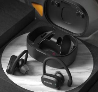 Philips lance des écouteurs à conduction osseuse, des true wireless et un casque Bluetooth… tous pour le sport