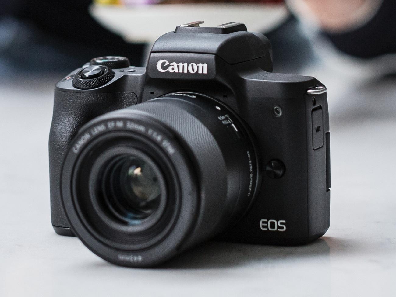 Canon lance son EOS M50 Mark II en France, avec des accessoires pour tous les goûts