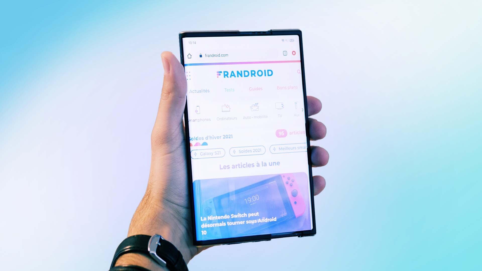 Prise en main de l'Oppo X 2021: son écran enroulable bluffant peut faire mal aux Fold de Samsung
