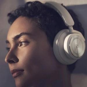 Beoplay HX : Bang & Olufsen lance un casque antibruit avec 35 heures d'autonomie