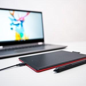 One by Wacom : voilà enfin une tablette à stylet ergonomique certifiée «Works with Chromebook»