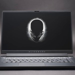 Dell G15 et Alienware m15: les premiers laptops gaming AMD Ryzen arrivent chez Dell