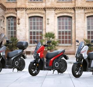 Paris va réserver le stationnement gratuit aux scooters électriques