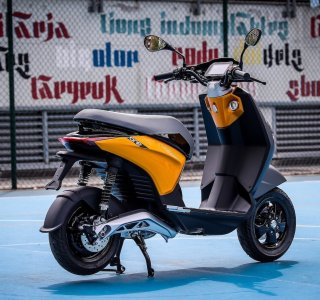 Piaggio One: 100km d'autonomie pour le scooter électrique qui cible les jeunes