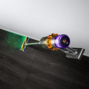 Dyson V15 Detect : l'aspirateur-balai qui éclaire la poussière et indique les polluants de la maison arrive en France