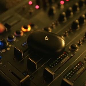 Beats Studio Buds : les nouveaux écouteurs True Wireless aperçus dans un clip
