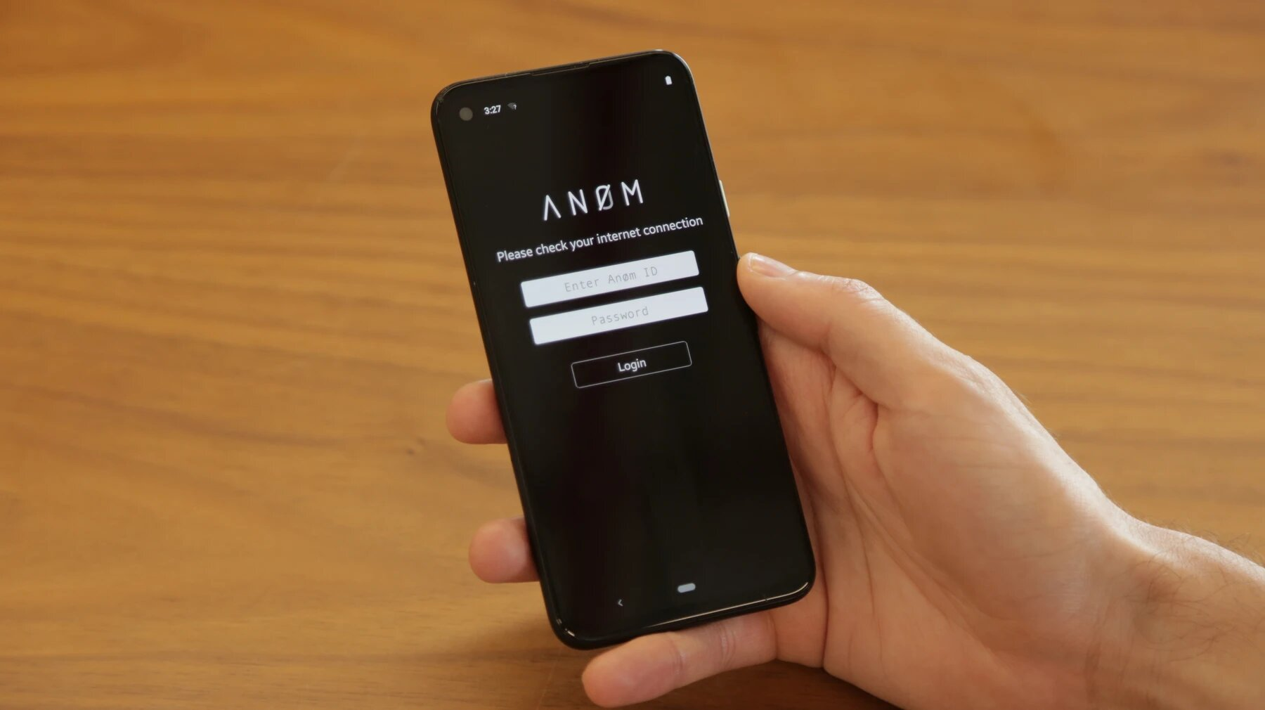 Le FBI a vendu un smartphone Android modifié à des escrocs, impressionnant à quel point ils ont été loin dans sa personnalisation