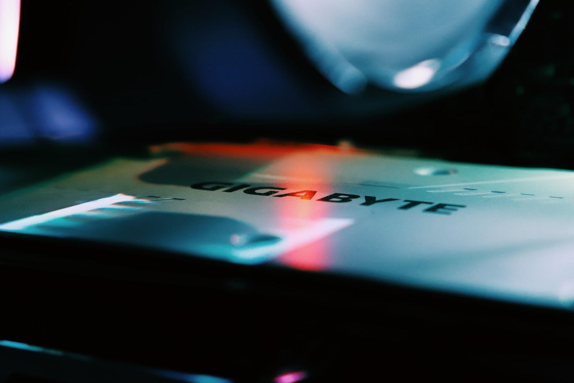 Gigabyte s'est fait hacker… et cela pourrait compromettre Intel et AMD