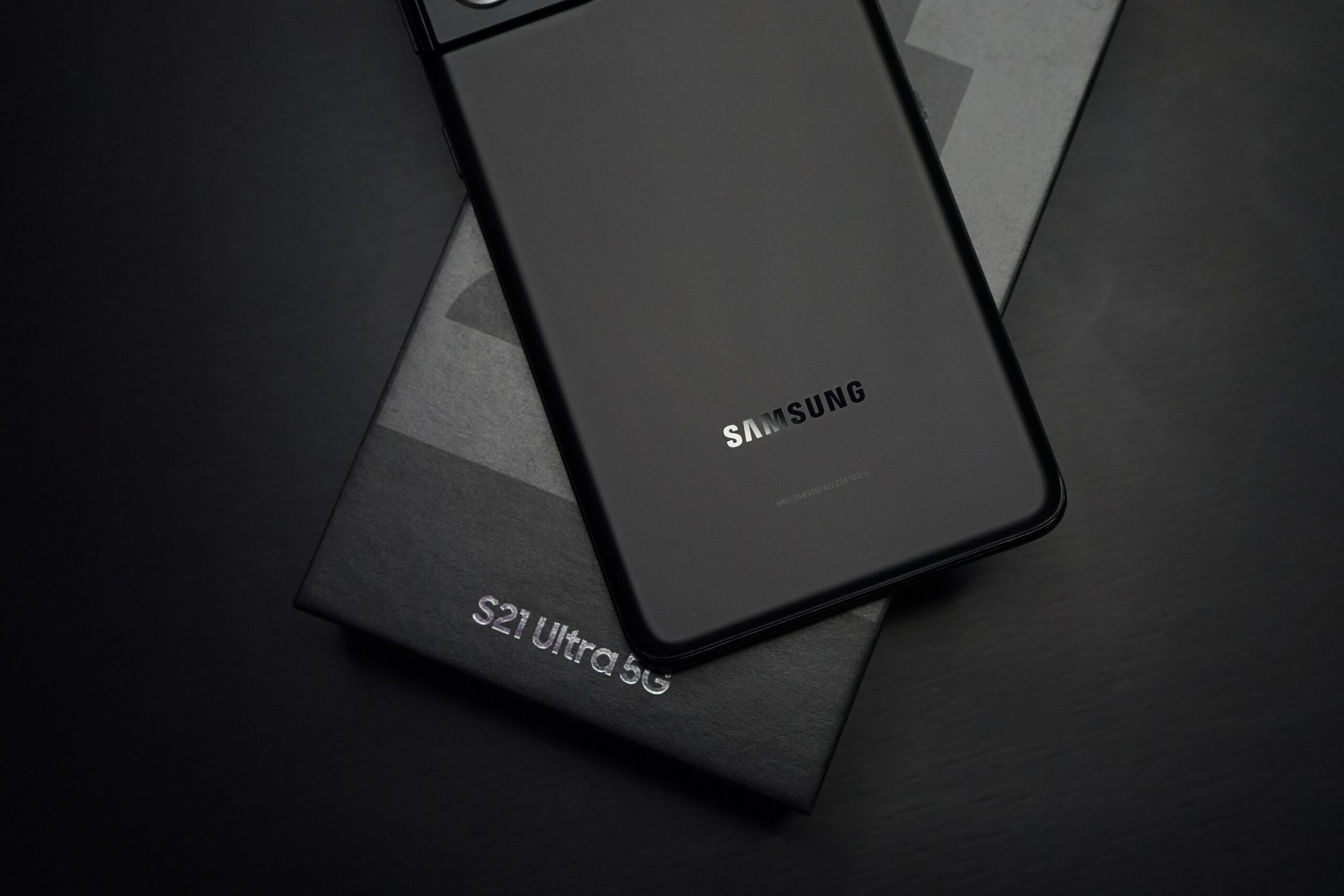 Samsung se retrouve coincé entre Xiaomi et Apple, ses ventes baissent en Europe