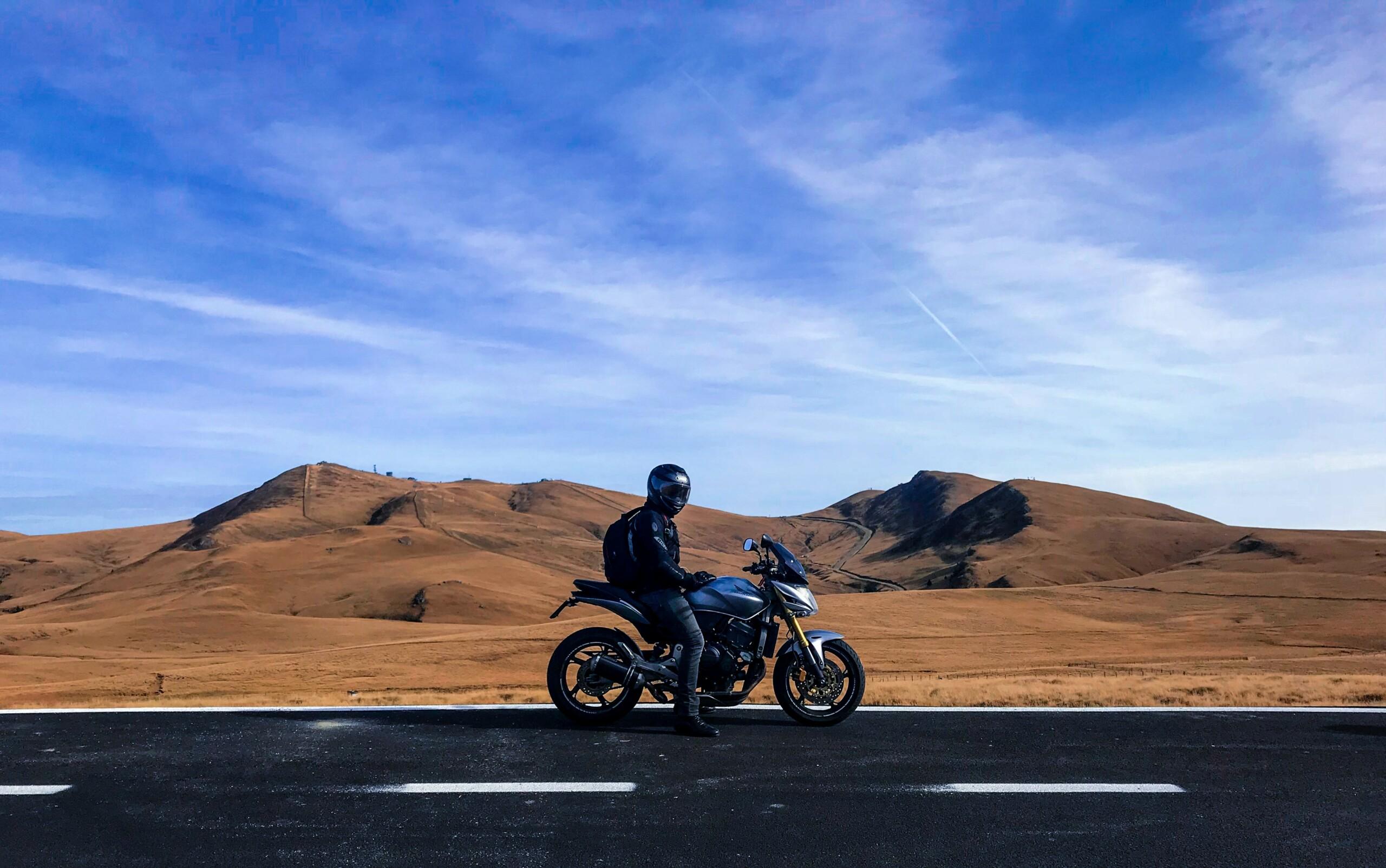 Si vous avez un iPhone, Apple avertit les propriétaires de motos et de scooters