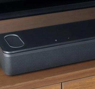 Bose dévoile une barre de son Dolby Atmos et AirPlay 2 qui se pilote à la voix
