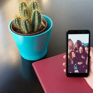 SFR propose son nouveau smartphone «maison», le Altice e54, à 1 euros avec son forfait 4G+ 80 Go
