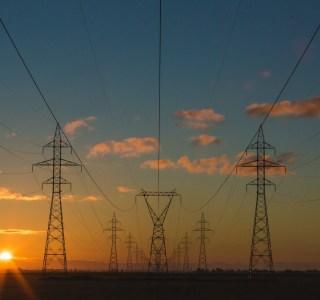 Pourquoi les prix de l'électricité et du gaz augmentent et ce que vous devez surveiller