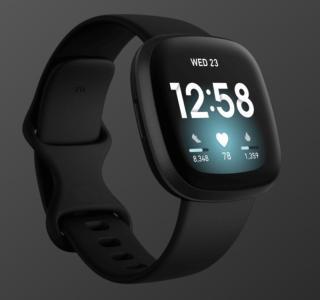 Idéale pour les sportifs, la montre connectée Fitbit Versa 3 est en promotion