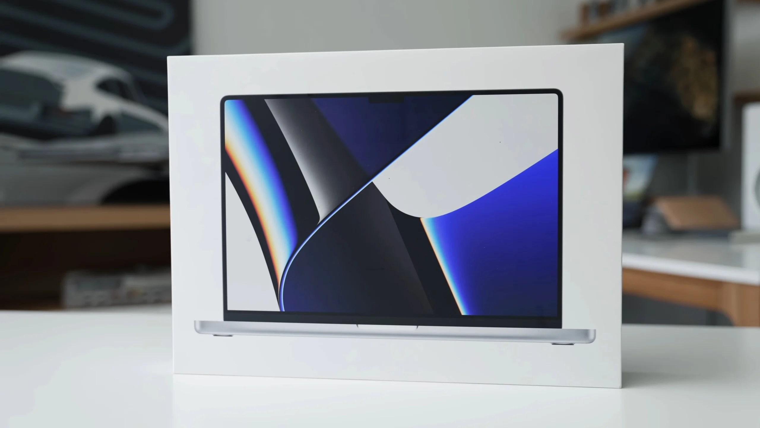 Les premiers tests des MacBook Pro 14 et 16 pouces sont là : aucune (mauvaise) surprise pour le moment