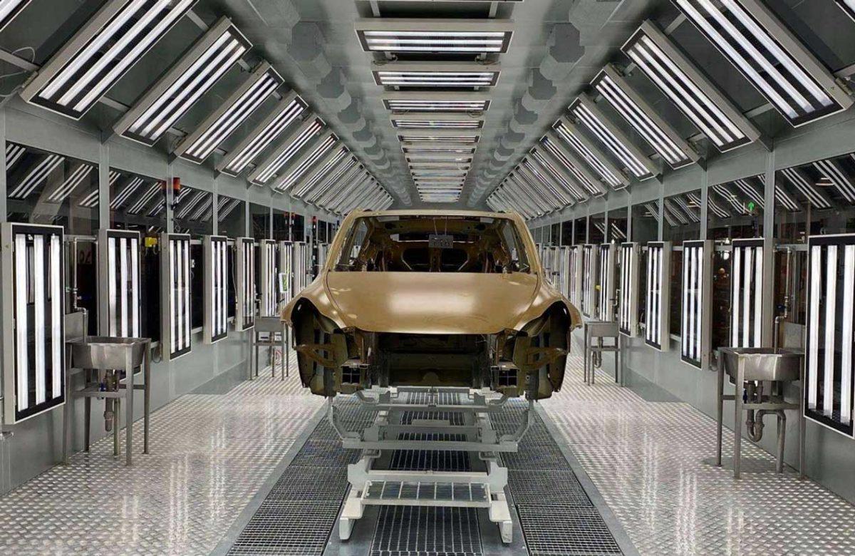 Tesla, trois teintes de carrosserie en approche : mais un seul modèle pourrait en profiter