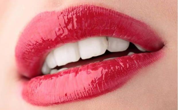 bouche gloss dents kit blanchiment dents