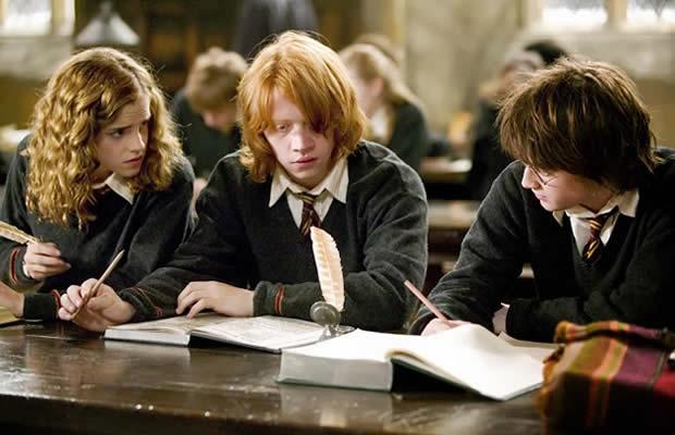 harry ron hermione travail bibliothèque