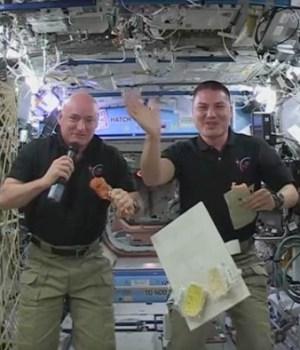 astronautes-thanksgiving-espace-video