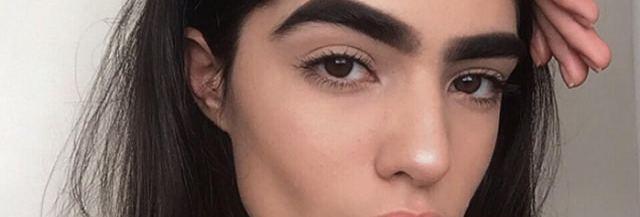 mannequin-harcelement-sourcils