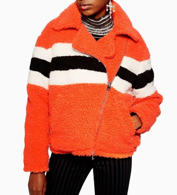 fourrure orange motard