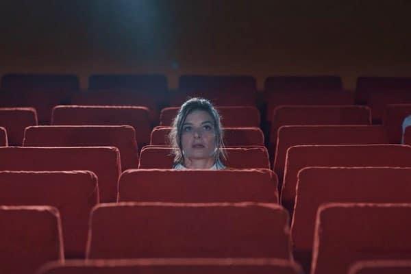 Comment se venger des gens relous au cinéma ?