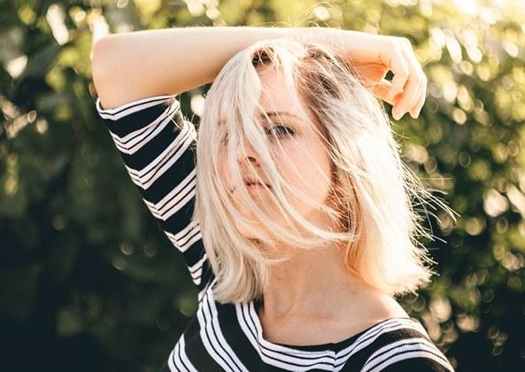 signes-besoin-couper-cheveux-1