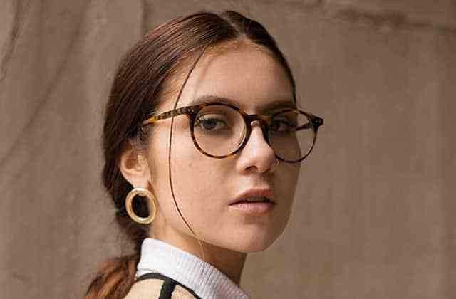 astuce lunettes fond de teint