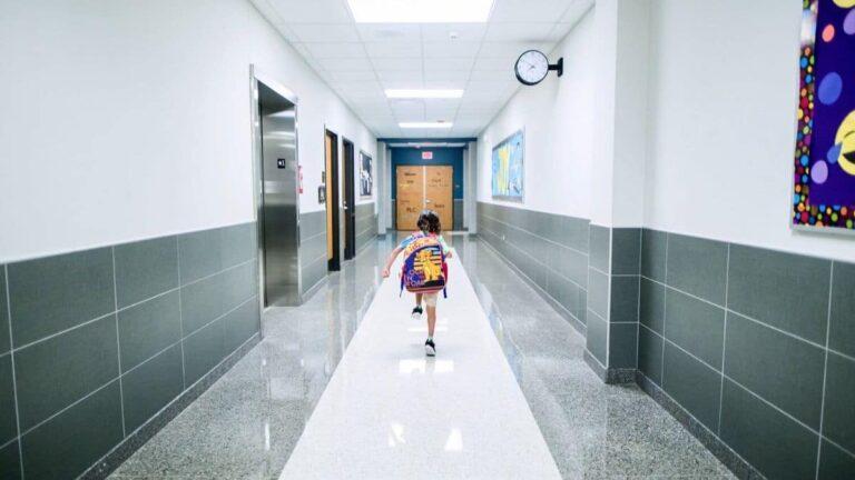 «deconfinement-ecoles-instits»