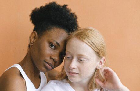 femme-noire-femme-blanche